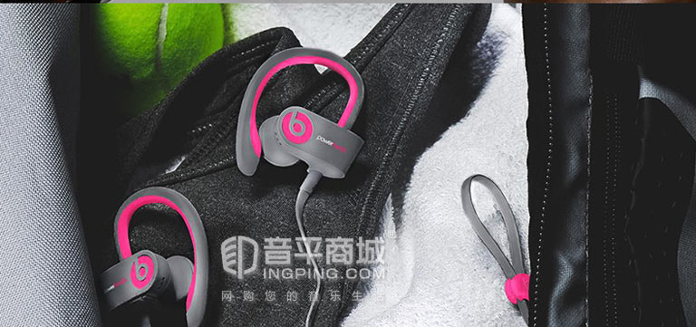 PowerBeats2 Wireless模特展示