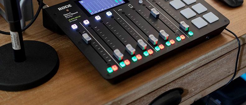 罗德(RODE) Caster Pro 一体化播客工作台 直播 4通道 蓝牙 8音效